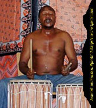 Trommeln mit Nkwabi